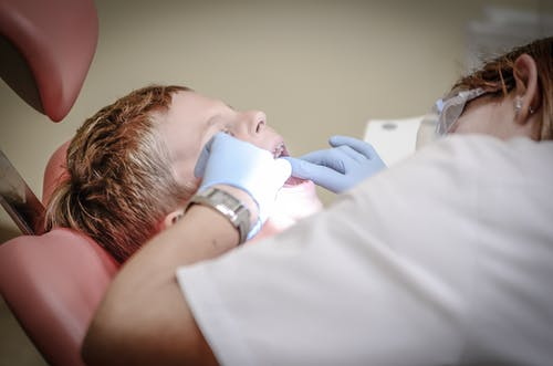 Top tips that you can follow to choose the best dentist in town